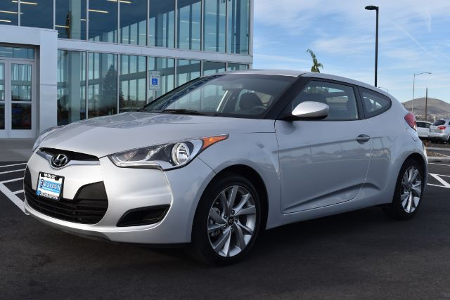 2016 HYUNDAI VELOSTER BASE 6AT 30k miles Options ABS Brakes Adjustable Foot Pedals Alloy Wheels