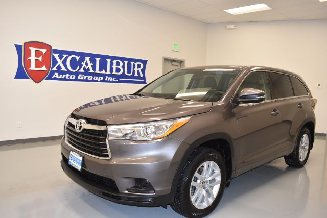 2016 TOYOTA HIGHLANDER LE PLUS AWD V6 30k miles Options ABS Brakes Adjustable Foot Pedals Air C