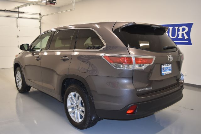 2016 toyota highlander le plus awd v6 cars and vehicles kennewick wa. Black Bedroom Furniture Sets. Home Design Ideas