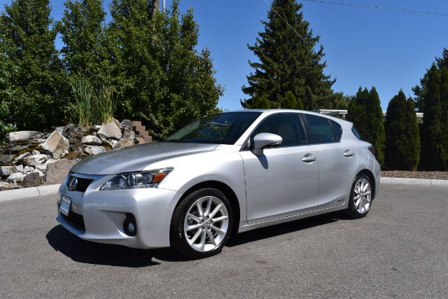 2011 LEXUS CT 200H BASE 86k miles Options ABS Brakes Air Conditioning Alloy Wheels AMFM Radio