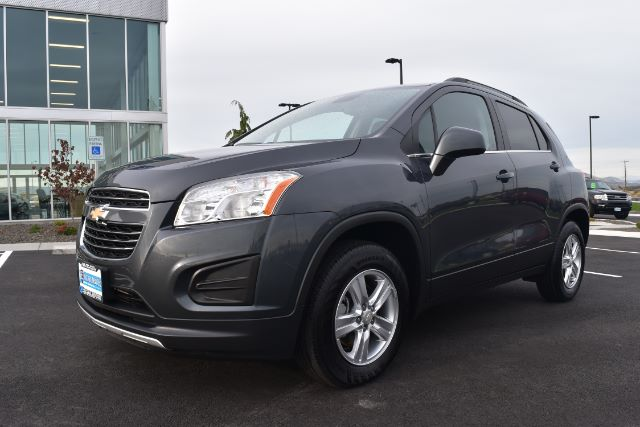 2016 CHEVROLET TRAX LT AWD 25k miles Options ABS Brakes Adjustable Foot Pedals Alloy Wheels AM