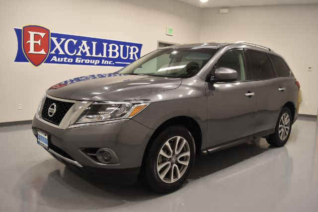 2016 NISSAN PATHFINDER SV 4WD 16k miles Options ABS Brakes Adjustable Foot Pedals Air Condition