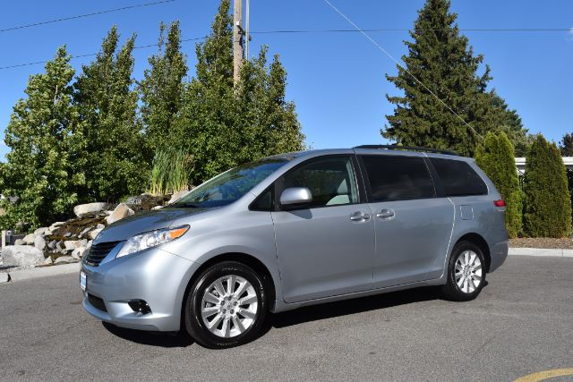 2014 TOYOTA SIENNA LE AWD 7-PASSENGER V6 79k miles Options 4WDAWD ABS Brakes Air Conditioning