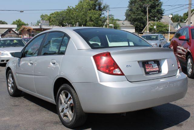 2005 Saturn ION Sedan 3