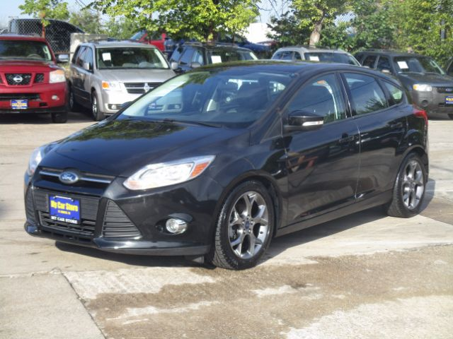 2014 FORD FOCUS SE HATCH 53k miles The 2014 Ford Focus is available as a sedan or a hatchback It