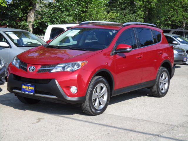 2015 TOYOTA RAV4 XLE FWD 23k miles 2015 Toyota RAV4 XLE FWD Options ABS Brakes Air Conditioning