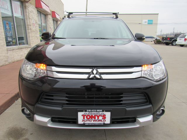 2015 Mitsubishi Outlander SE S-AWC in Cleveland