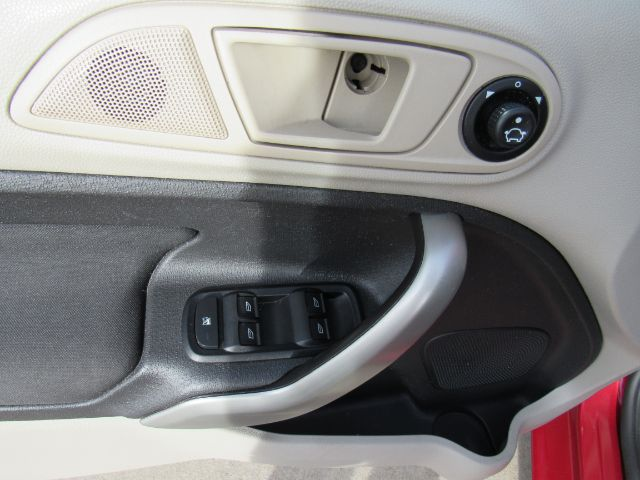 2012 Ford Fiesta SE Sedan in Cleveland
