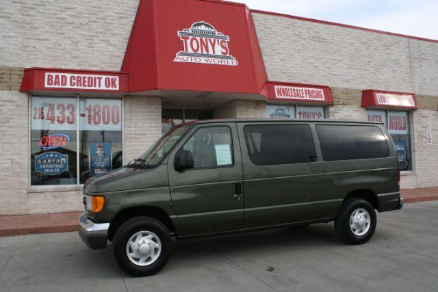 2004-Ford-Econoline-E-350 XLT Super Duty-Parma-Ohio