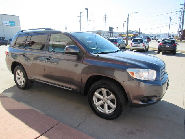 2010 Toyota Highlander Base 4WD in Cleveland