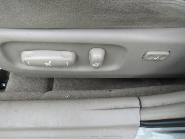 2006 Toyota Camry LE in Cleveland