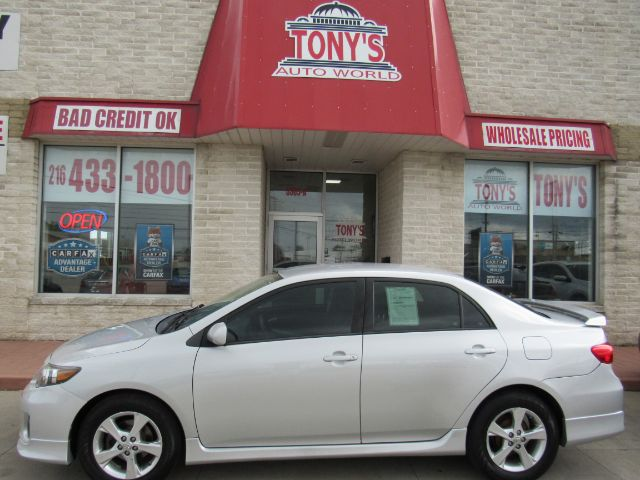 2013 Toyota Corolla S 4-Speed AT