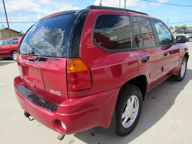 2005 GMC Envoy SLE 4WD in Cleveland