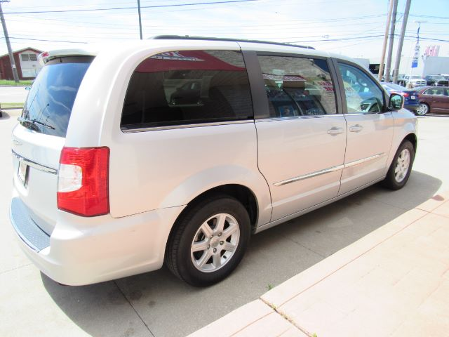2011 Chrysler Town & Country Touring in Cleveland