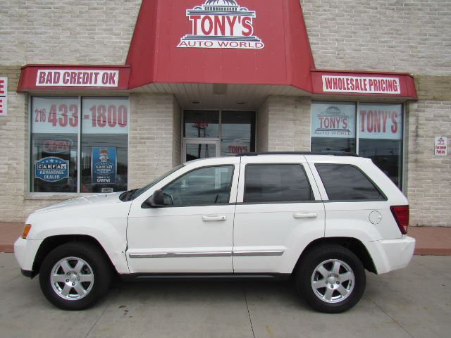 2010 Jeep Grand Cherokee Laredo 4WD in Cleveland