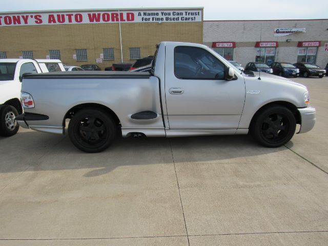 2002 Ford F-150 SVT Lightning 2WD in Cleveland