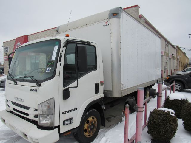 2016 Isuzu NPR 14ft BOX TRUCK GAS
