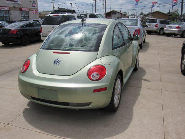2008 Volkswagen New Beetle S PZEV in Cleveland