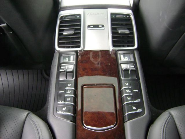 2010 Porsche Panamera Turbo in Cleveland