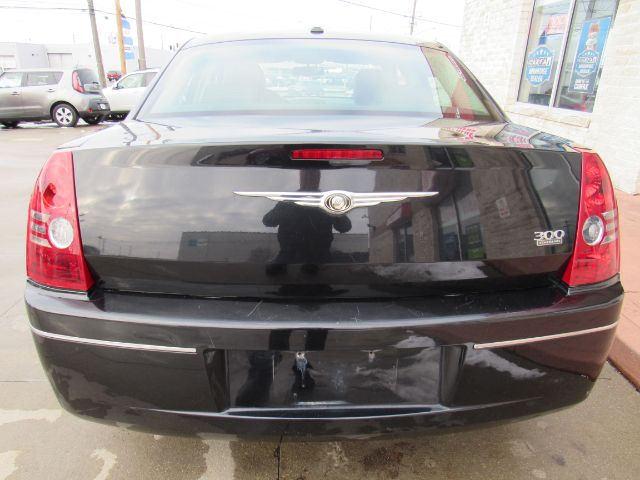 2010 Chrysler 300 Touring in Cleveland
