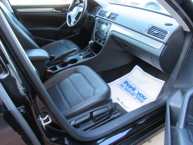 2015 Volkswagen Passat Sport PZEV 6A in Cleveland