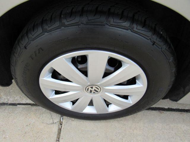 2013 Volkswagen Passat 2.5L S W/Appearance in Cleveland