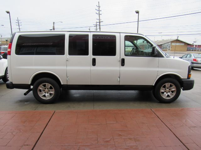 2006 Chevrolet Express 1500 in Cleveland