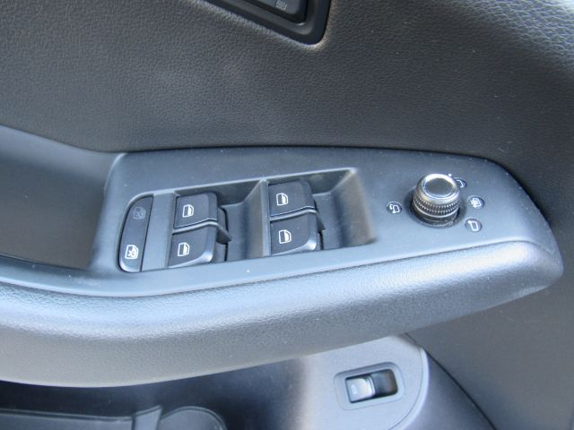 2012 Audi Q5 2.0 quattro Premium in Cleveland