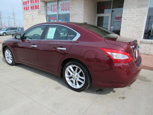 2009 Nissan Maxima SV in Cleveland