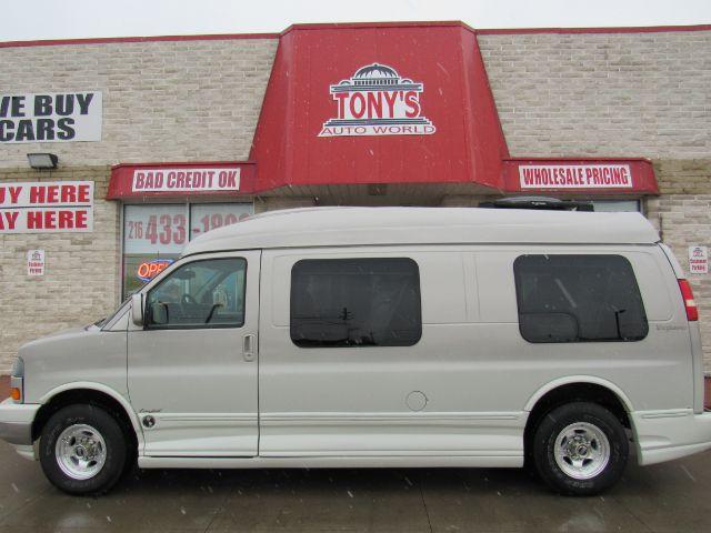 2005 GMC Savana Extended Conversion Van