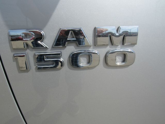 2018 RAM 1500 Express Crew Cab 4x4 in Cleveland