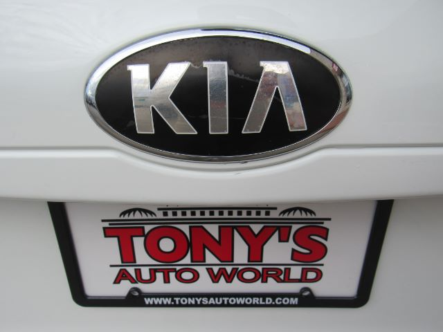 2014 Kia Sedona LX LWB in Cleveland