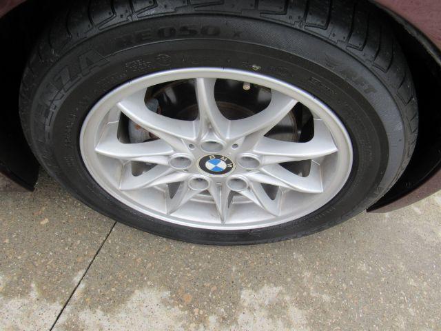 2003 BMW Z4 2.5i in Cleveland