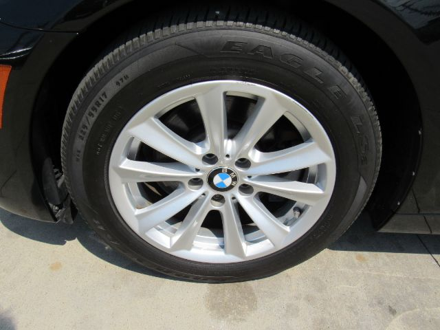 2015 BMW 5-Series 528i xDrive in Cleveland