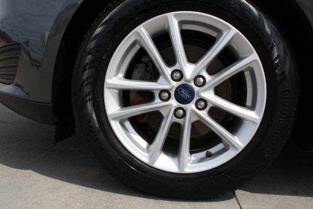2016 Ford Focus SE Sedan in Cleveland