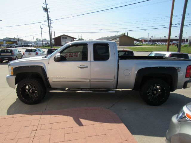 2010 Chevrolet Silverado 1500 LT1 Extended Cab 4WD in Cleveland