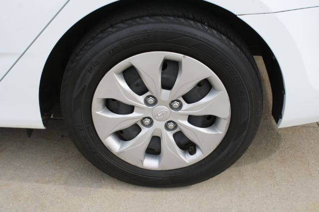 2015 Hyundai Accent GLS 4-Door 6A in Cleveland