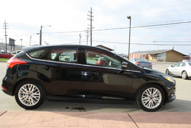 2016 Ford Focus Titanium Hatch in Cleveland