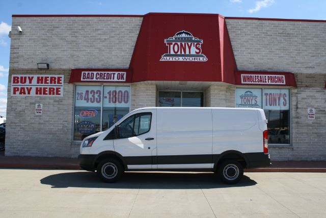 2017 Ford Transit 250 Ford Transit 40/60 cargo doors on pass side 130 WB