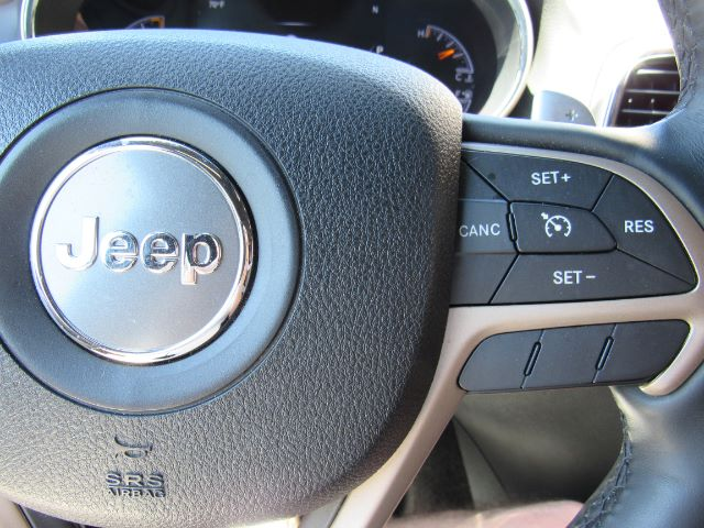 2015 Jeep Grand Cherokee Limited 4WD in Cleveland