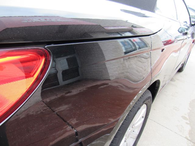 2012 Chrysler 200 Touring Convertible in Cleveland