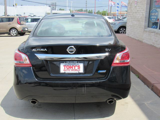 2013 Nissan Altima 2.5 SV in Cleveland
