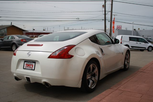 2009 Nissan 370Z Coupe in Cleveland