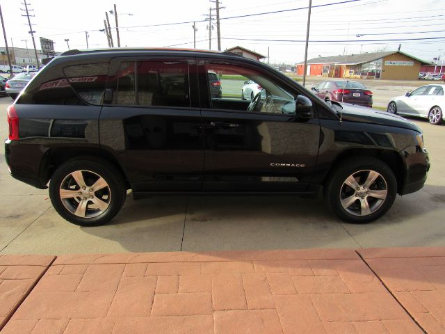 2017 Jeep Compass Latitude FWD in Cleveland