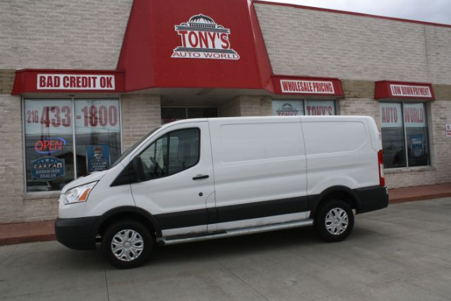 2015-Ford-Transit-250 Van Low Roof 60/40 Pass.130-in. WB-Parma-Ohio