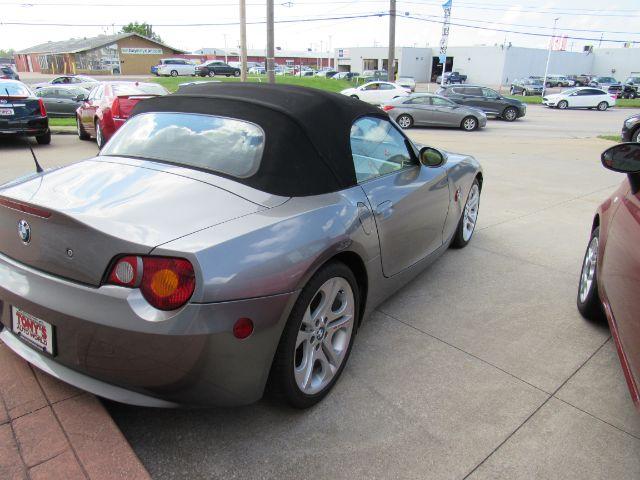 2003 BMW Z4 3.0i in Cleveland