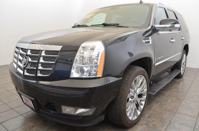 2009-Cadillac-Escalade-AWD-Parma-Ohio
