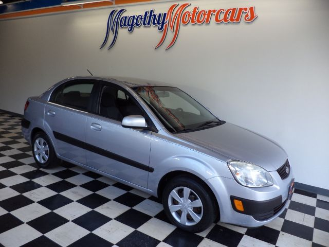 2007 KIA RIO LX 92k miles Here is a great running one owner  new car trade in that has just arri