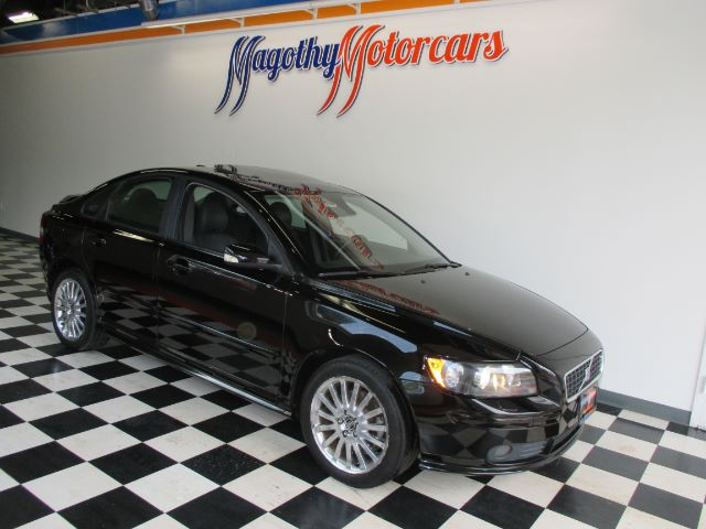 2006 VOLVO S40 T5 81k miles Here is a great running 2 owner local new BMW trade in This car off