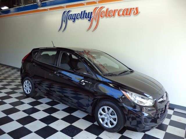2012 HYUNDAI ACCENT GS 5-DOOR 53k miles Here is a very clean one owner new car trade in that has